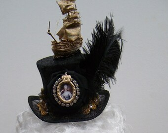 Marie Antoinette mini top hat headpiece fascintaor ship Christmas party diamante cabochon lace ostrich feather Goth Bride Halloween
