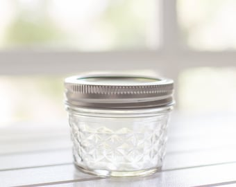 24 x genuine mini quilted Ball Mason jars with lids - 1/4 US pint