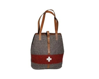 WD15 Swiss Army Blanket Bag by Karlen Swiss