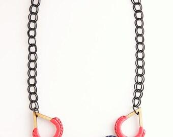 Woody Teardrop Necklace