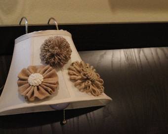Hanging Reading Light with Burlap Decor for Bedroom