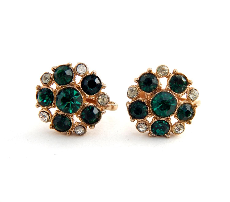 vintage coro screw back earrings emerald green rhinestone gold