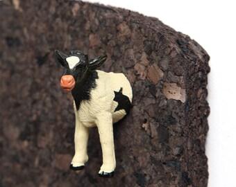 "Pushpin ""Black-white cow"""