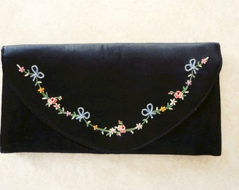 Vintage Black Silk French Clutch Purse with Floral Embroidered Decoration Elegant Wedding Special Occasion Clutch Purse Vintage Accessory