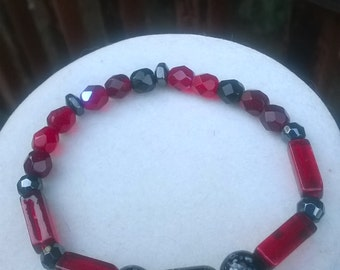 Black and Red Stretch Bracelet/Red and Black Stretch Bracelet/Red and Black Bracelet