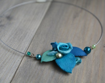 Blue flower necklace Rose wedding jewelry Blue floral necklace Bridesmaids jewelry Blue rose jewelry Mother of bride gift Blue bridal party