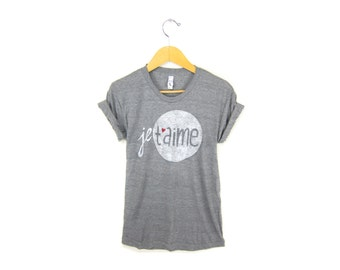 Je T'aime Tee - Boyfriend Fit Crew Neck Rolled Cuffs Tshirt in Heather Grey and Red Heart - Women's Size S-5XL