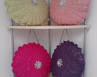 Crochet round cushion
