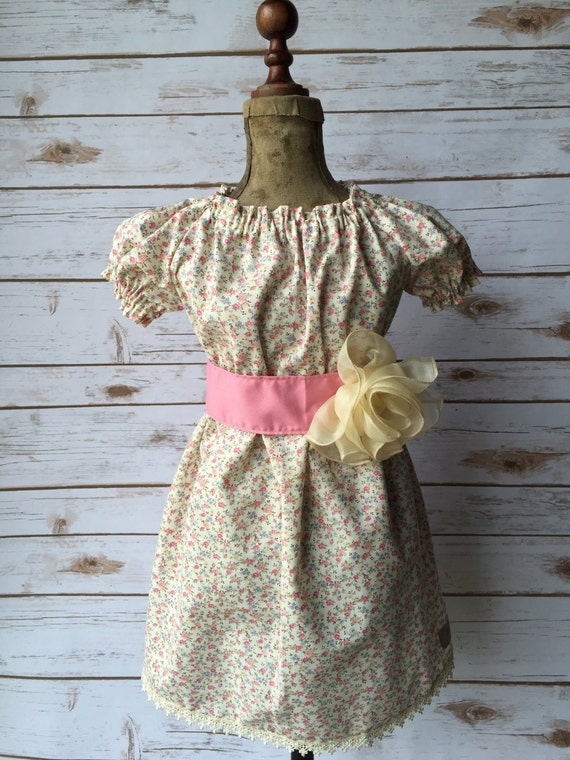 Vintage Boutique Handmade Girls Peasant Dress with lace trim and Flower Size 3/4