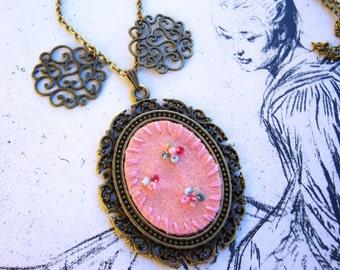 Bronze, antique bronze tone pendant necklace embroiderd felt a dream in pink