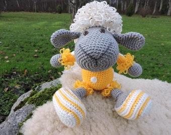 Items similar to Sleepy little lamb on Etsy