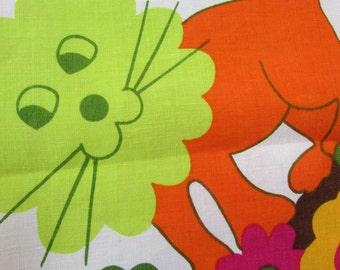 Vintage tablecloth, 1960's tablecloth, 1970's linen