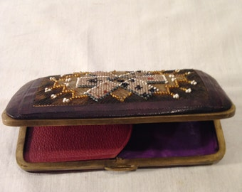 Vintage cigarette or cigar case with embroidery '900
