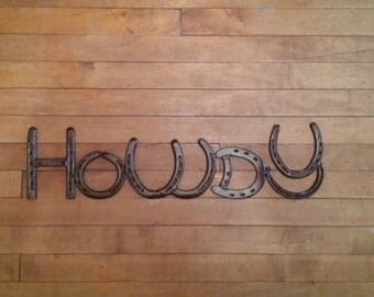 Horseshoe Howdy Sign