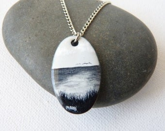Black and White Enameled Pendant Necklace Nature Pendant, Sea Pendant, Ocean View, Nautical, Simple Necklace, Oval Pendnat Chain Necklace