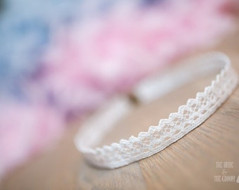Headband embroidery in English