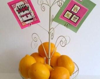Vintage Cottage Chic Wire Footed Fruit Bowl / Fruit Wire Basket/ Gift Basket / Storage Basket