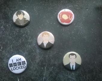 Sherlock - Button - Ø 3cm/ 1,18 inches/ Sherlock Holmes, John Watson, James Moriarty, I owe you apple, I'm Sherlocked