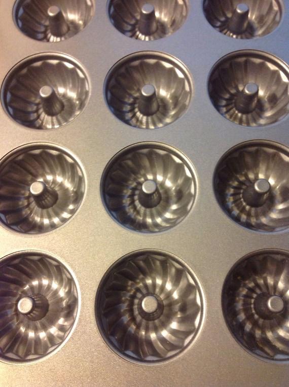 Wilton Mini Bundt Fluted 12 Part Baking Pan For By