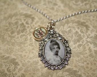 Zombie Pendant Necklace - Lady