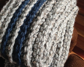 beautiful warm, chunky scarf to fight winter cold
