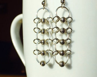 Jump ring chain drop earrings with silver beads