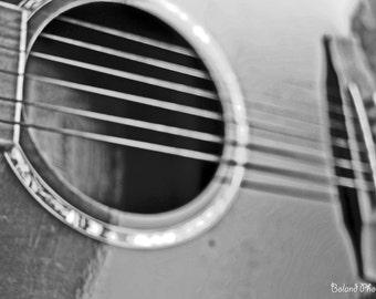B&W Guitar