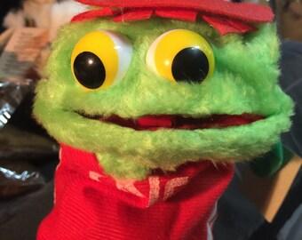 1980 hand puppet green frog w/ tags in bag hallmark looks like oscar htf