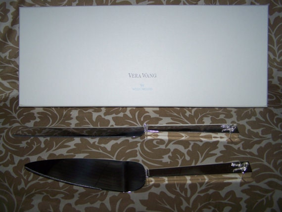Vera Wang Love Knots Cake Knife Serving Set