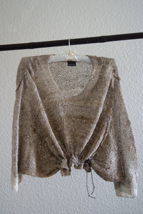 Jumper effect fallow deer in natural fibres of French manufacture.