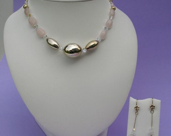 Attractive necklace made of Rose Quartz, Swarovski and sterling silver