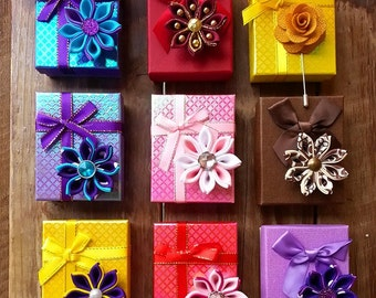 SPECIAL Custom Gift Boxes for Your Lapel!
