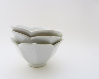 Vintage Porcelain Lotus Bowls / Lotus bowls set of Three / Small Succulent serving bowls