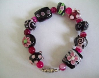Chunky Black and pink bracelet