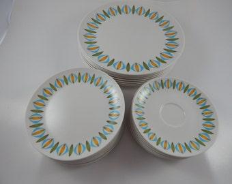 Vintage Melamine Oneida  Plates set of 24
