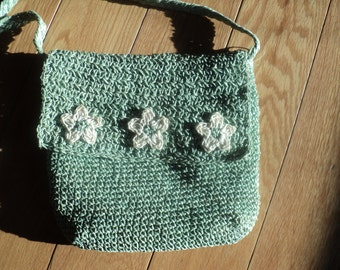 Vintage Mint Green Crochet Knit Stitched Paper Straw Shoulder/Cross Body Bag Purse with hand made daisy flower designs in Good Condition