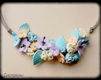 hand made necklace of pastel flowers handmade-collar bouquet of pastel flowers bouquet