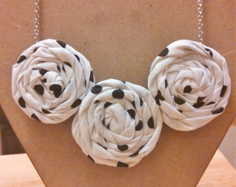 Rolled Fabric Flower Necklace Black & white