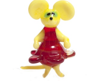 Glass Mouse in Dress Figurine (code 044)
