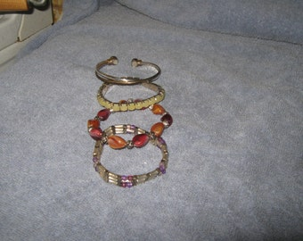 Bracelets      E