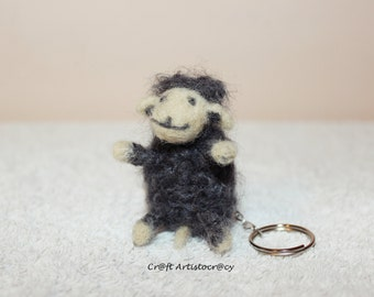 Smiley sheep felt key chain