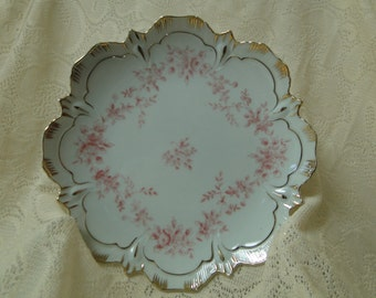 G886-P-Pink Scallop Edge Plate