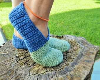 Handknitted slippers - wool shoes - yarn slippers - comfty home shoes - blue green shoes - women slippers - medium