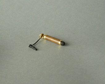 ST002 pen in PEI