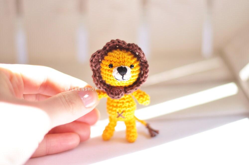 Crochet keychain Lion Amigurumi Keyring Little by EMERENstore