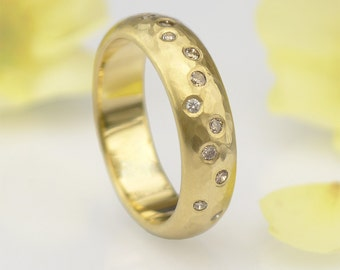 Champagne Diamond Ring in 18k Gold - Hammered Finish - Eco Friendly - Handmade to Size