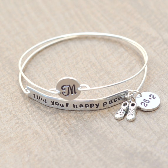 Marathon bracelet - Find your happy pace - Runners jewelry - Half Marathon - Full Marathon - Personalized bracelet - Monogram Initial