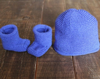 Hat and baby slipper