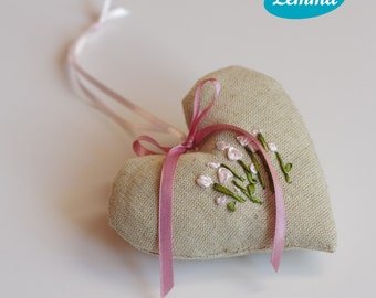 Lavendel heart with pink flowers