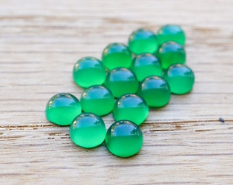 Green Agate 5mm round cabochon: (20 piece)